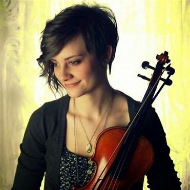 Taryn Harbridge01